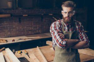Holz ist ihre Welt: Tischler und Schreiner