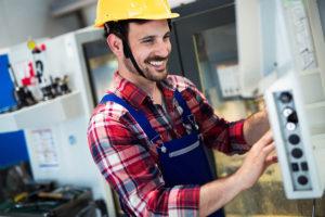 Begehrte Fachkraft am Schalthebel: Maschinen- und Anlagenführer